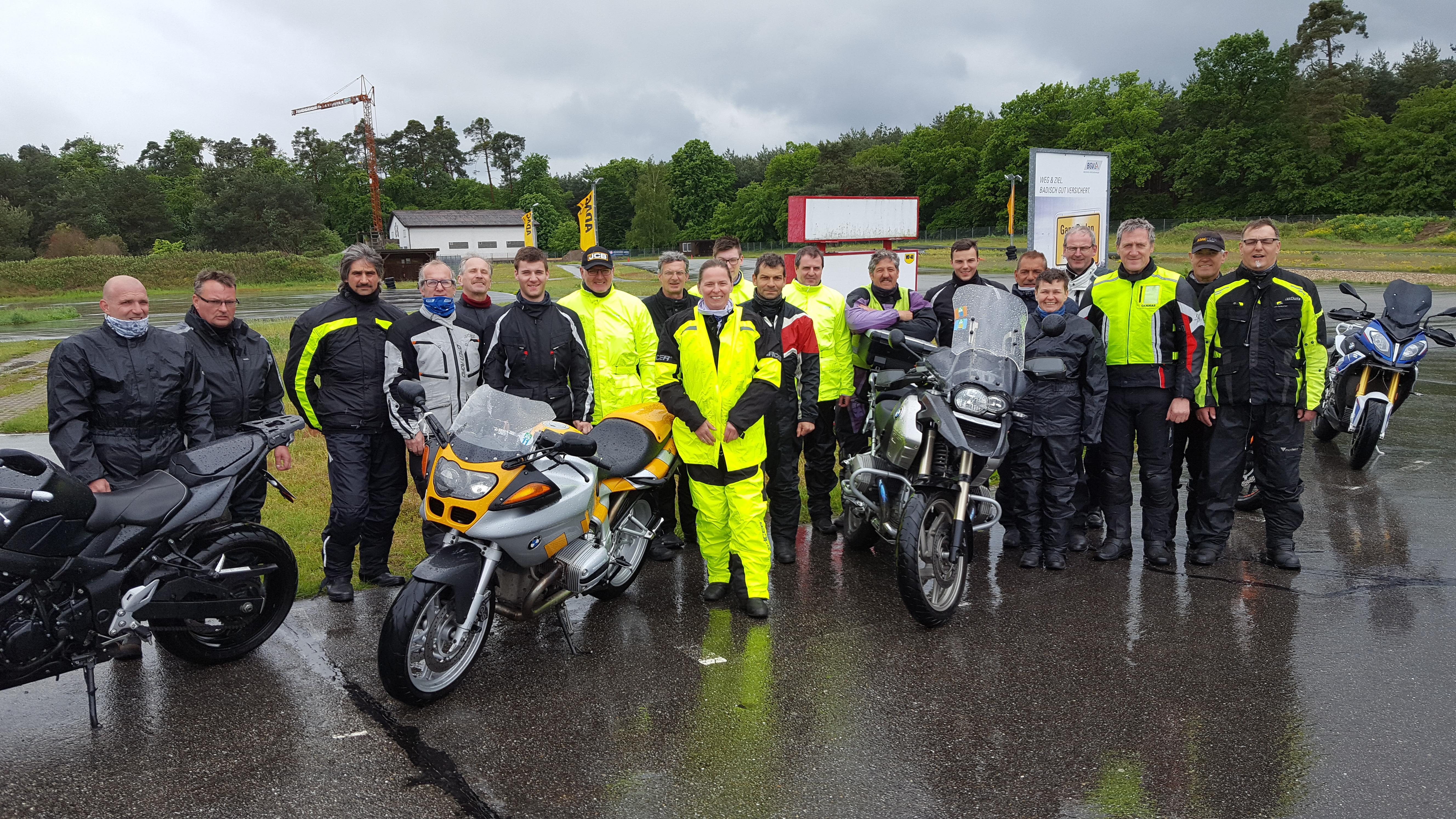 Gruppenbild Motorradfahrsicherheitstraining